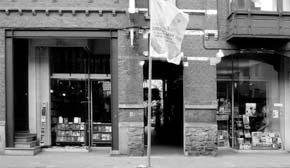 Voorgevel van Boekhandel Walry